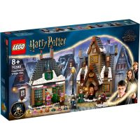LEGO® Harry Potter - Vizita in satul Hogsmeade (76388)