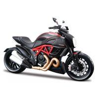 MAIS-31101_2018_039w Motocicleta Maisto Ducati Diavel Carbon, 1:12 31101