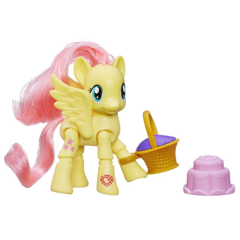 Figurina My Little Pony Explore Equestria - Fluttershy la picnic, 7.5 cm