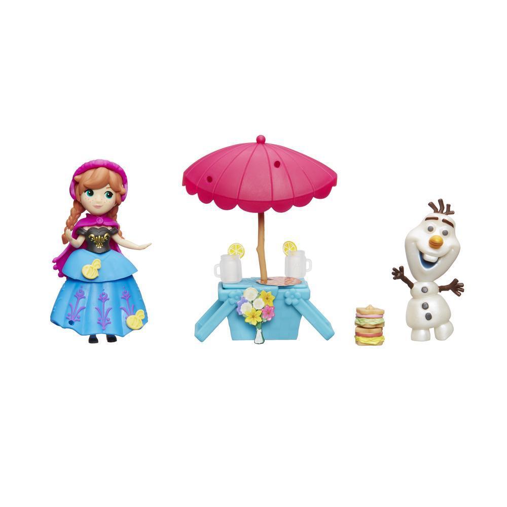 Figurine Disney Frozen Micul Regat - Anna si Olaf, Picnic de vara
