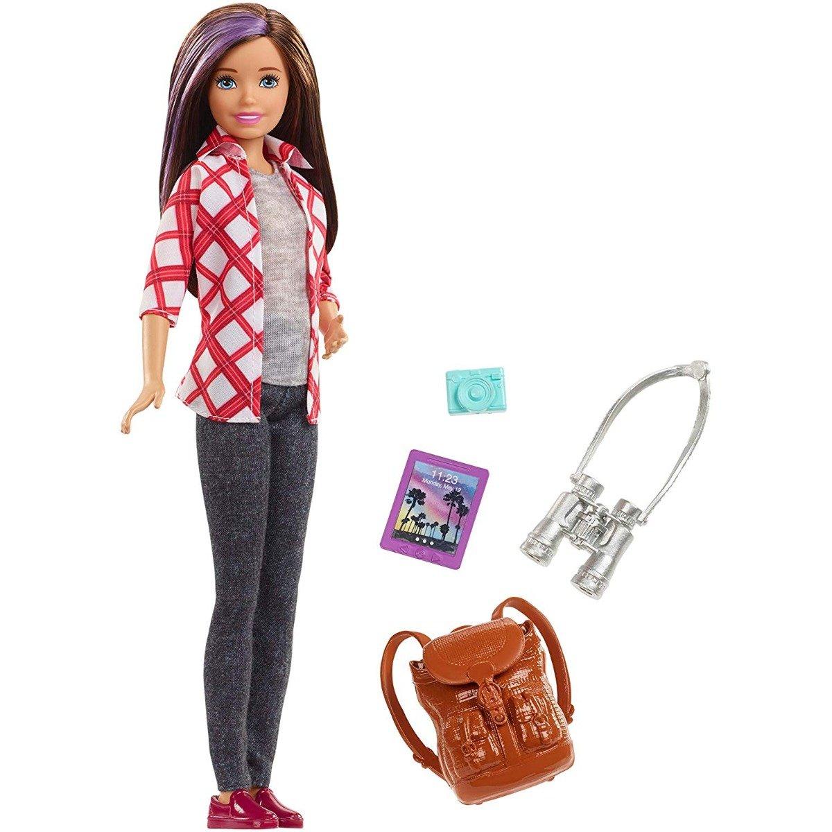 Papusa Barbie Skipper turista cu accesorii