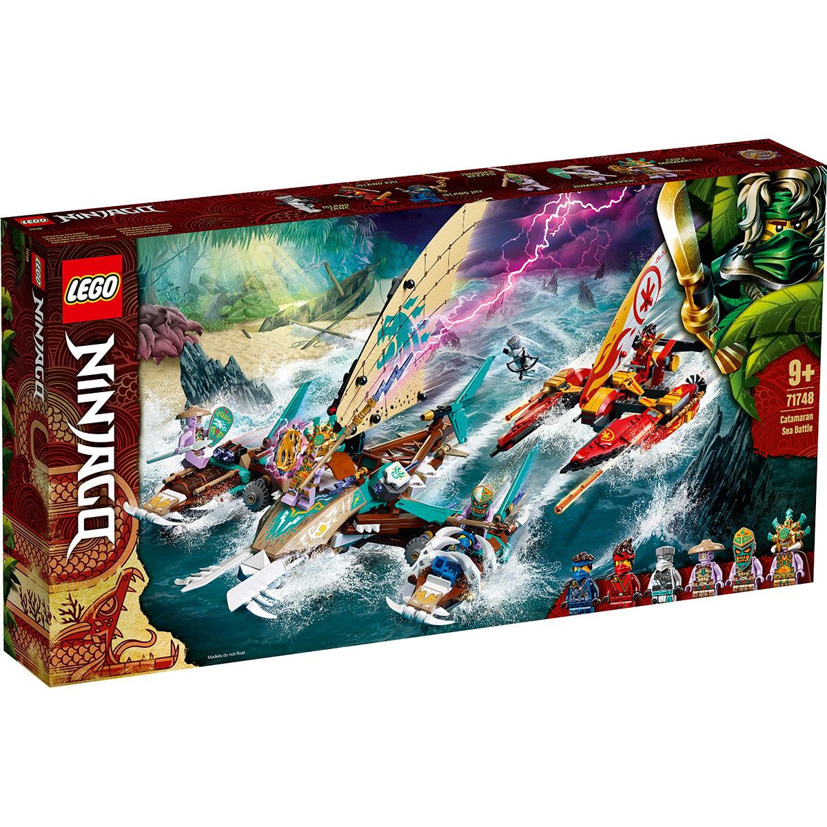 LEGO® Ninjago® - Lupta pe mare cu catamaranul (71748)