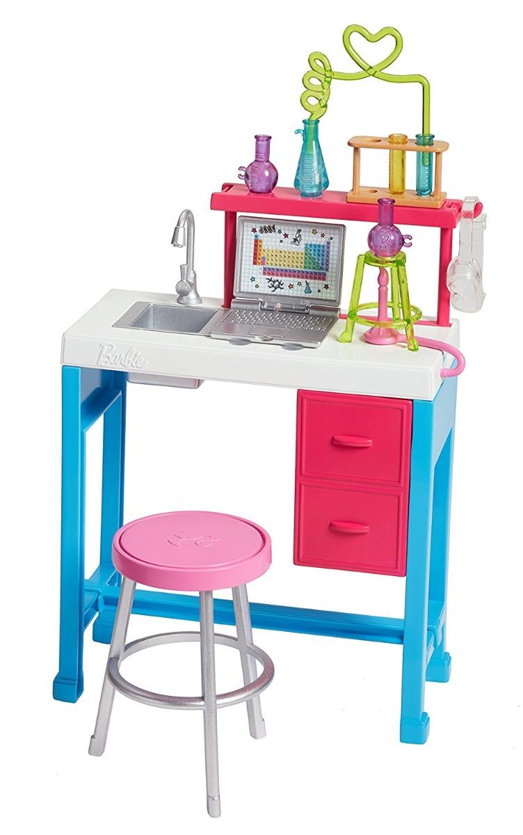 Set de joaca Barbie cu accesorii - Laboratorul de stiinta, FJB28