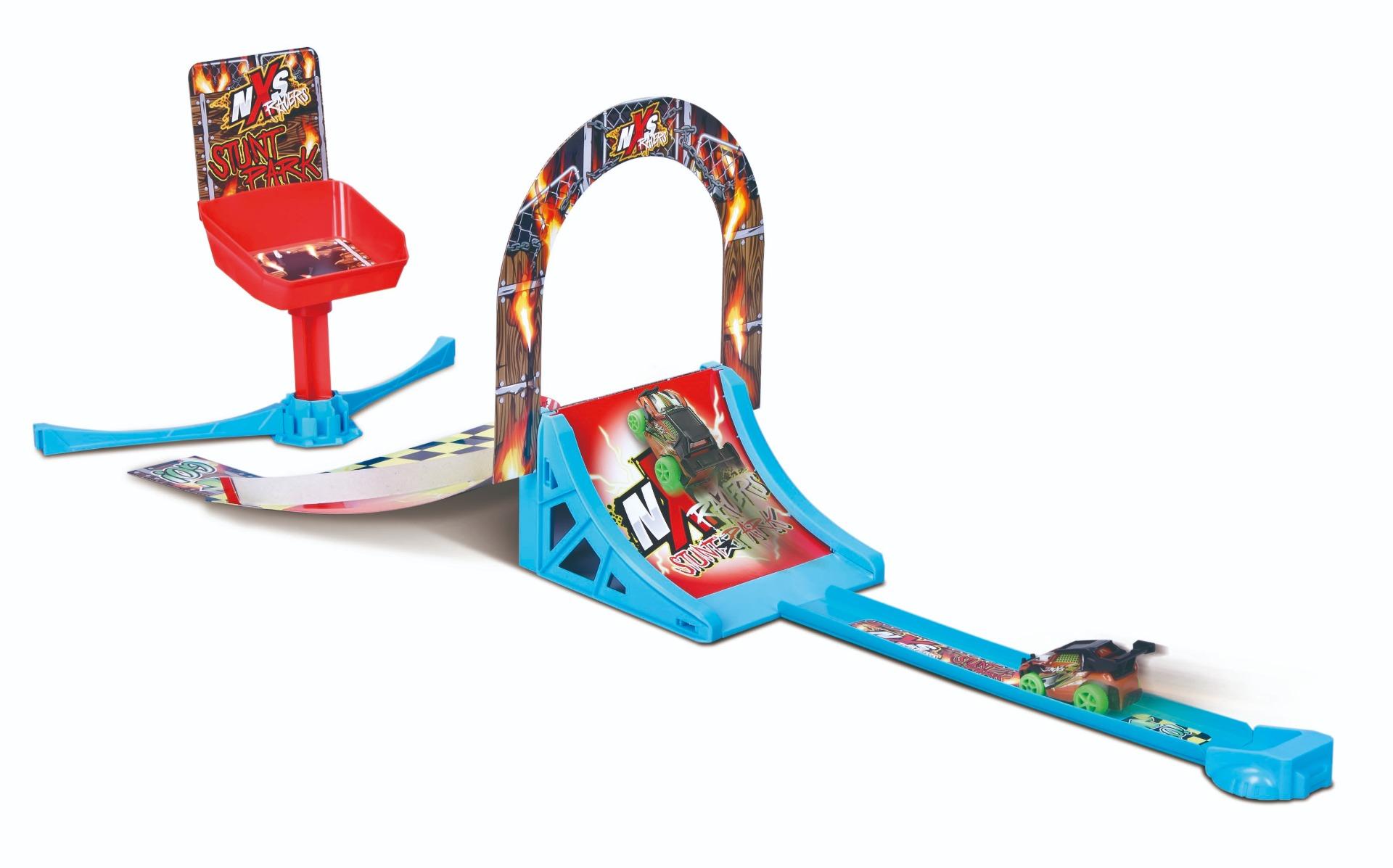 Set masinuta Maisto - NXS Racers Stunt Park