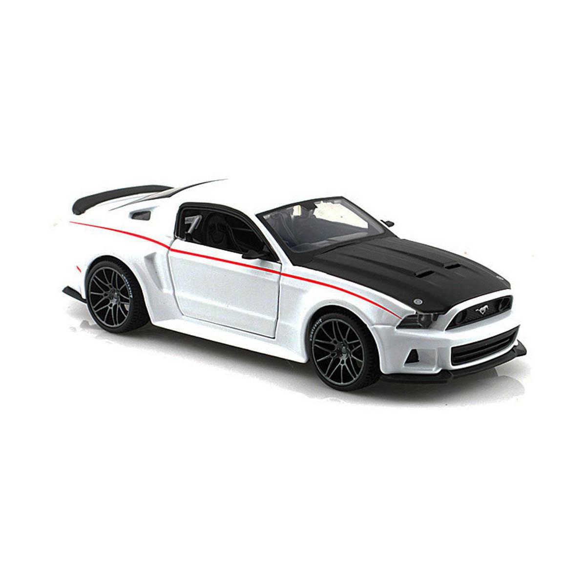 Masinuta Maisto Ford Mustang Street Racer 2014. 1:24. Alb